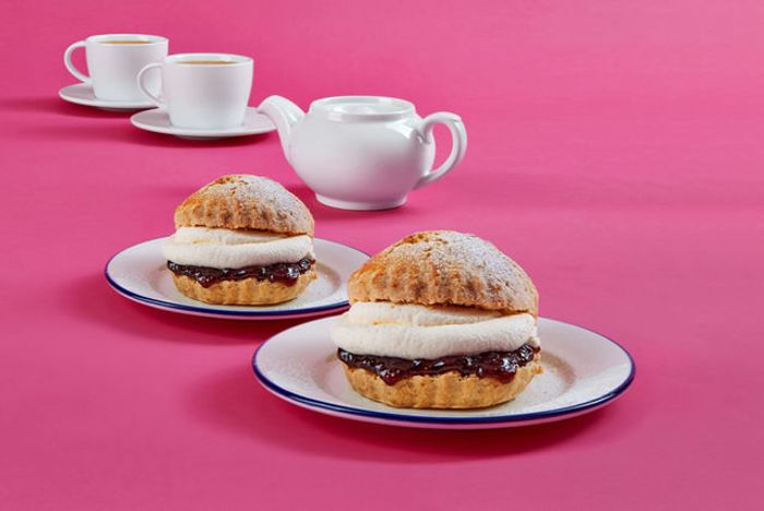 Tea & Cream Scones for 2 People £3.49 St Debenhams Cafe via Wowcher