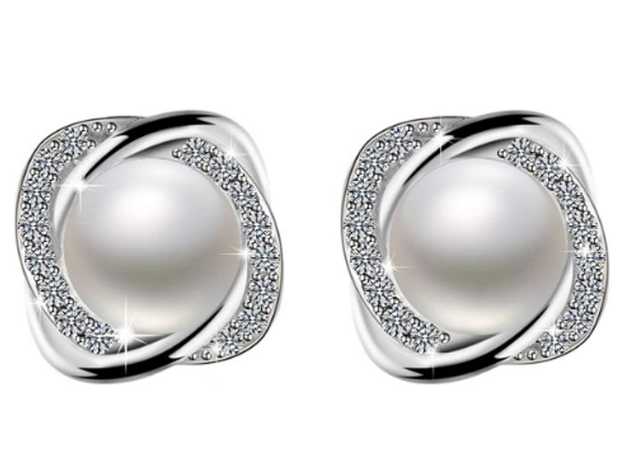 Deal Stack - Pearl Earrings - 60% off + Extra 5%