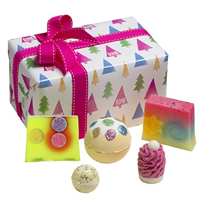 Bomb Cosmetics O Christmas Tree Handmade Wrapped Gift Pack