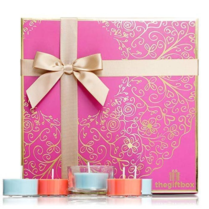 Scented Candle Gift Set with 21 Scented Candles plus Holder