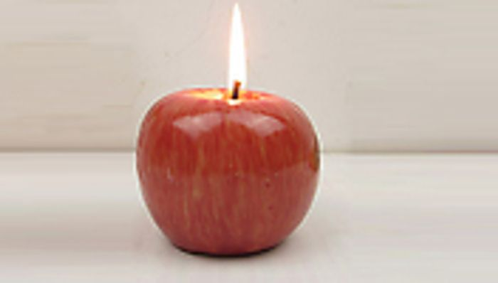 Pack-of-3 Apple Shaped Candles