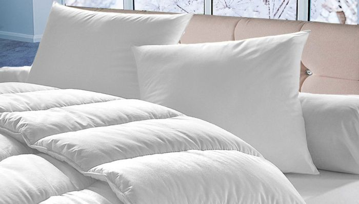 15 Tog Bounce Back Hypoallergenic Duvet with 4 Pillows - 4 Sizes