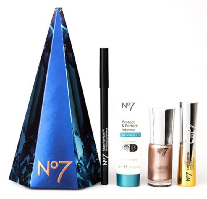 Two NO7 Concealers and £36 Free No7 Gift Set For Only £14 - Great buy!