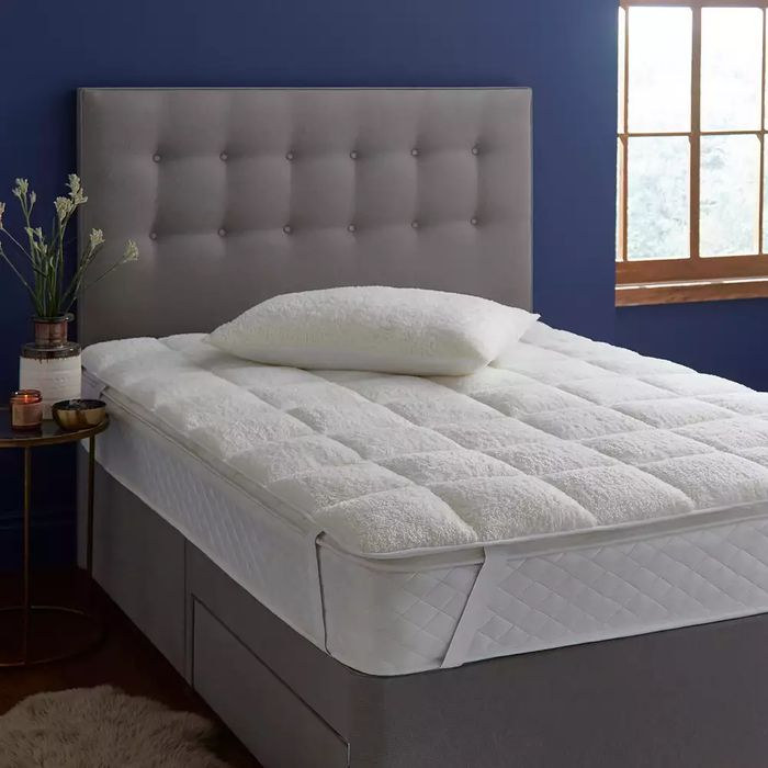 Silentnight White 'Teddy Fleece' Mattress Topper - HALF PRICE