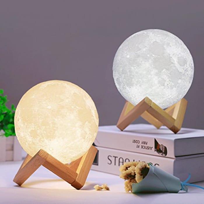 3D LED Moon Lamp - P&p 1.99