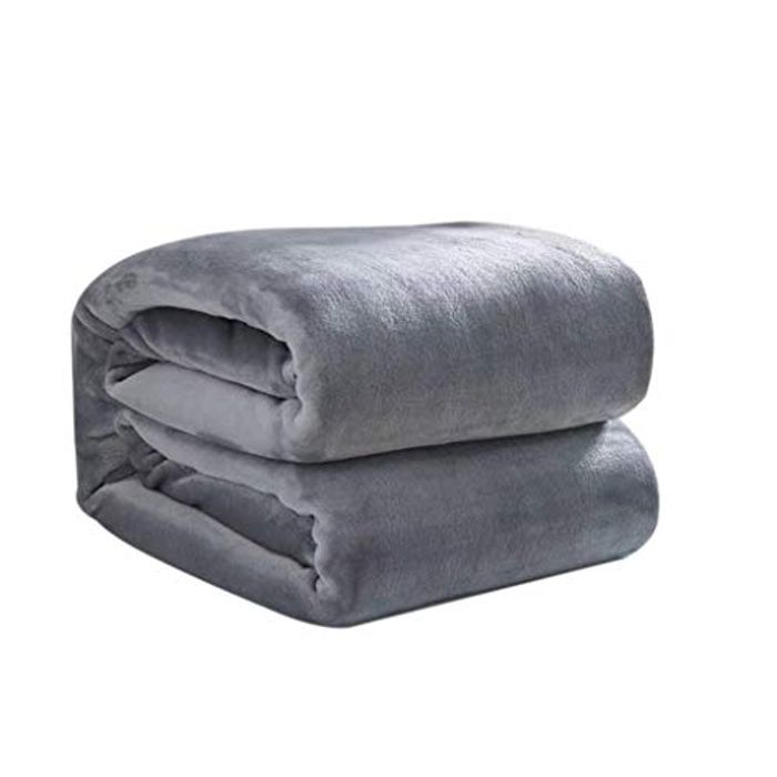 Super Soft Fleece Bed Blankets on Sale From £18.99 to £5.99 Delivered!