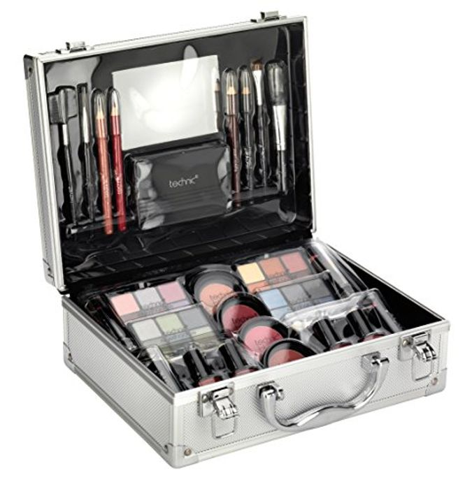 Best Price! Technic Large Beauty Case with Cosmetics at Amazon