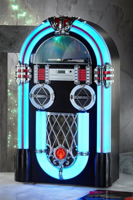 *SAVE £200* Retro Full Size Jukebox with Turntable