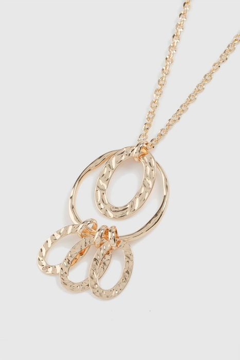 5 GOLD RIIIIIIINGS Ok ITS a GOLD RING NECKLACE for £5!