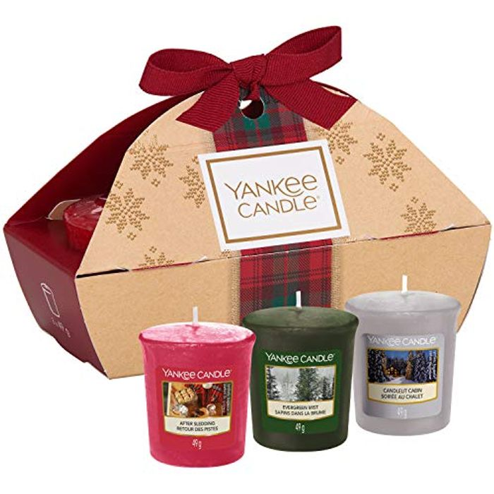Yankee Candle Gift Set with 3 Scented Votive Candles in Gift Box