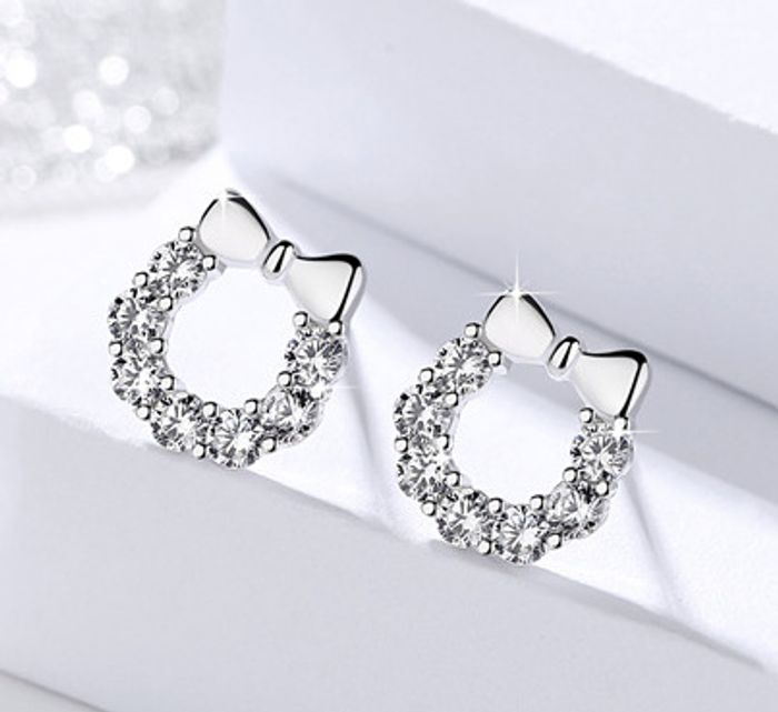 Special Offer - Free £40 Earrings with ANY purchase + Free Delivery!