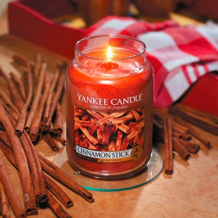 Yankee Candle Large Classic 623g - Minimum 110 Hours Burn Time - 46% Off!
