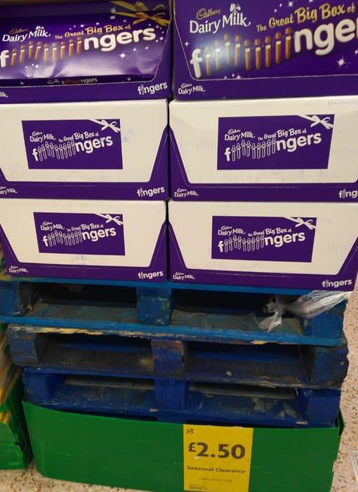 Cadbury's Dairy Milk the Great Big Box Chocolate Fingers 570g