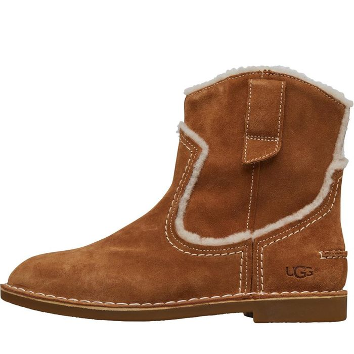 Cheap UGG Womens Catica Ankle Boots Chestnut on Sale From £134.99 to £54.99