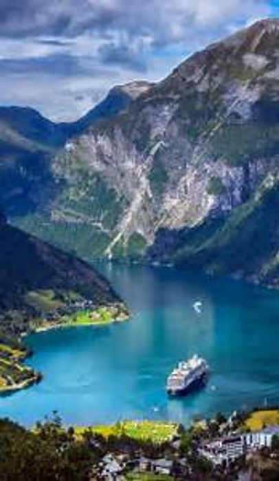 Return Flight to Norway £36(Depart. Luton/23rd March-27th March/Inc. 10kg cab.)