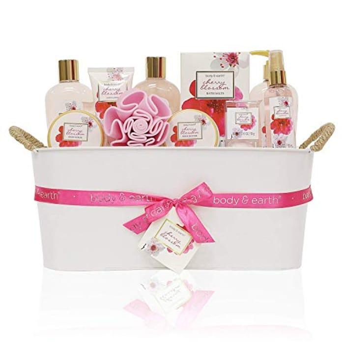 Body & Earth Bath Gift Basket
