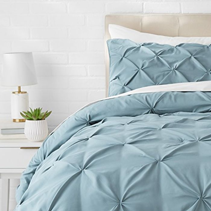 AmazonBasics Pinch Pleat Comforter Set - 200 X 200 Cm