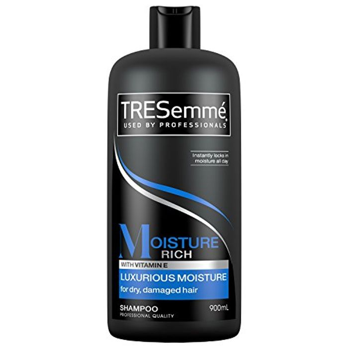4 Pack Tresemme Moisture Rich enRiched with Vitamin E Shampoo , 900 Ml
