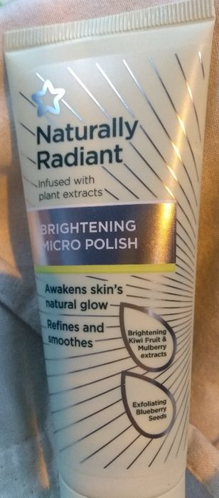 Superdrug Naturally Radiant Face Superdrug Naturally Radiant Face Scrub