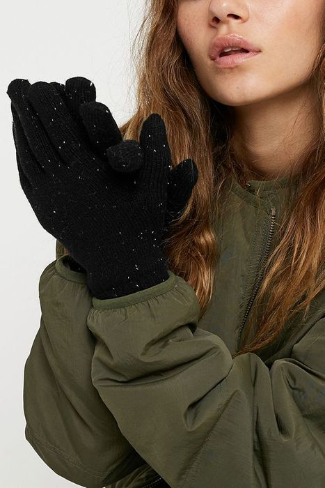 Cheap Urban Outfitters Super Soft Gloves, Only £5.00!