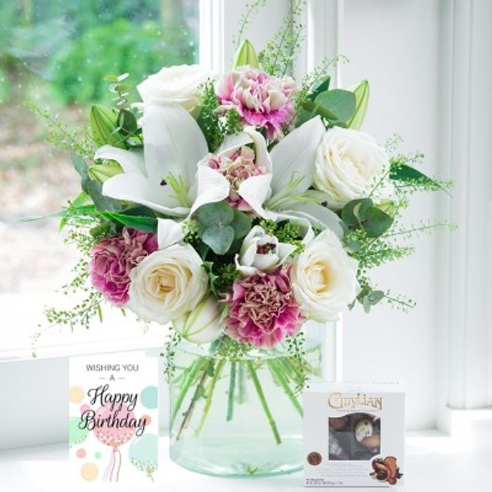 25% off All Bouquets with Voucher Code at Blossoming Gifts