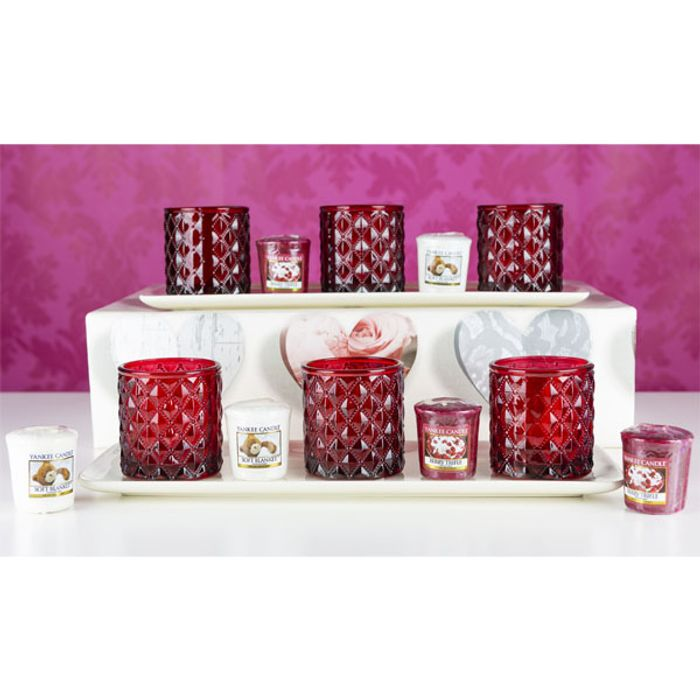 Cheap Yankee Candle 14 Piece Valentines Day Bundle - Save £30