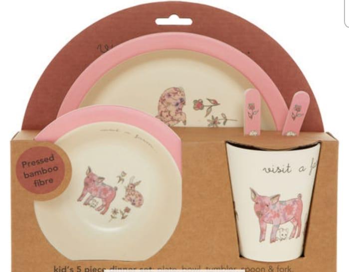 Five Piece Pink & Cream Dinner Set