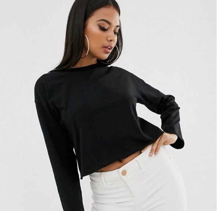 Cheap ASOS DESIGN Boxy Crop T-Shirt with Overlock in Black Only £5.5