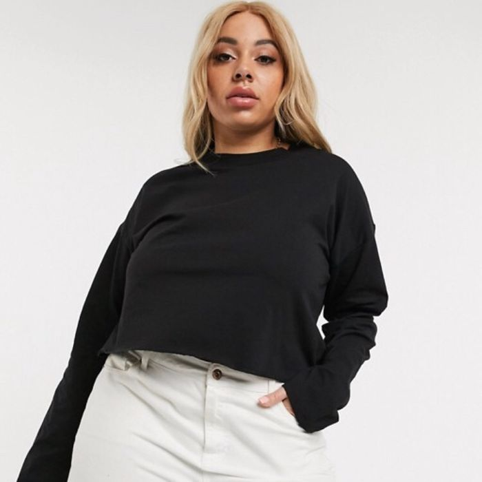 Cheap ASOS DESIGN Curve Boxy Crop T-Shirt with Overlock in Black Only £6