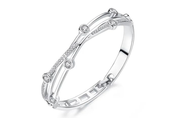 *SAVE over £60* Wave Silver Bangle Made with Crystals from Swarovski