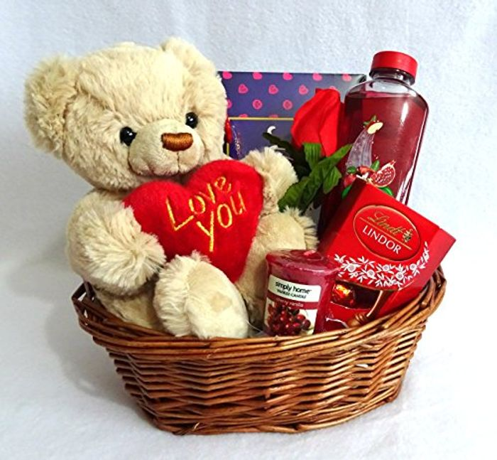 Valentines Day Gift Basket for £24.98 Delivered