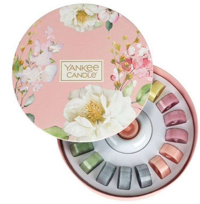 Yankee Candle - Tealight Delight Scented Candles and Candle Holder Gift Set