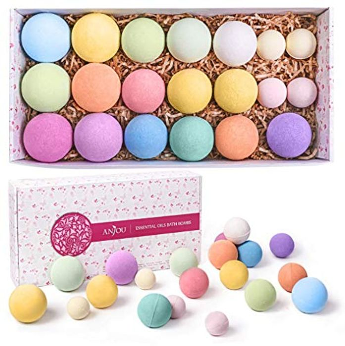 Bath Bombs 20 Pack Gift Set Down From £18.99 to £13.99