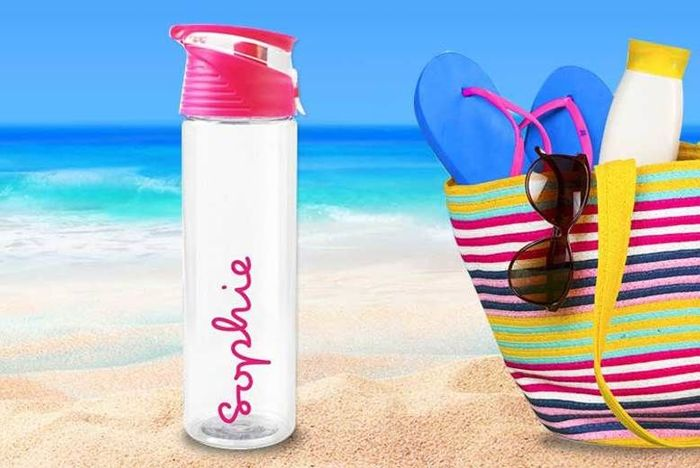 Cheap Love Island Style Water Bottle at Wowcher Only £6.99!