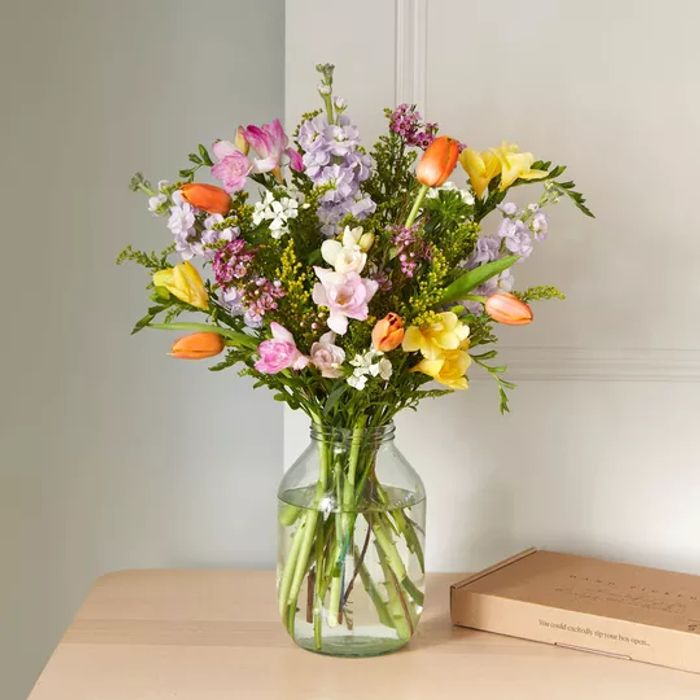 £10 off a £20 Spend on Letterbox Flowers