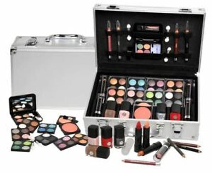 Urban Beauty Make up Set & Vanity Case, 51pcs
