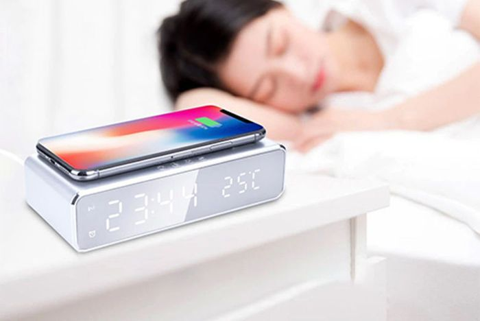 2-in-1 LED Alarm & Wireless Charging Station - 2 Colours! P&P £3.99