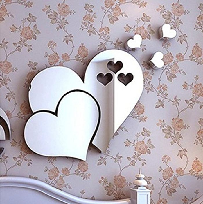 3D Wall-Mounted Heart Mirror - Save £24.21