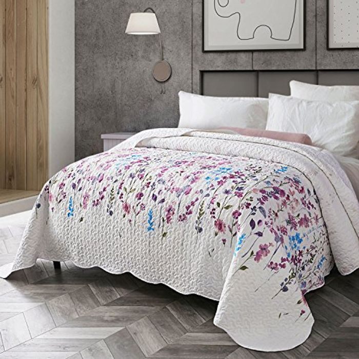 Save 40% on Bedsure Floral Microfiber Quilted Bedspread