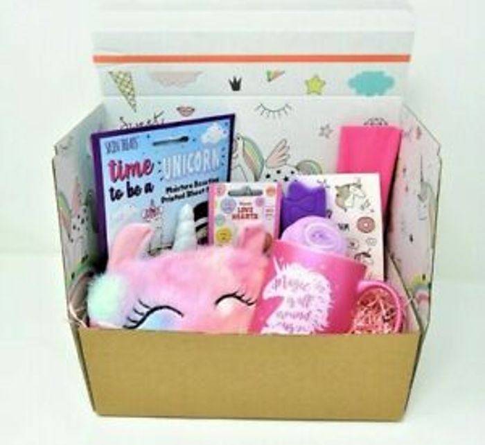 Cheap UNICORN Pamper Hamper Beauty Kit Gift Set Only £8.99