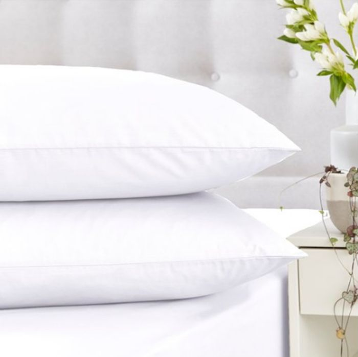 Silentnight Housewife Pillowcase Pair and Cotton Fitted Sheets - HALF PRICE!