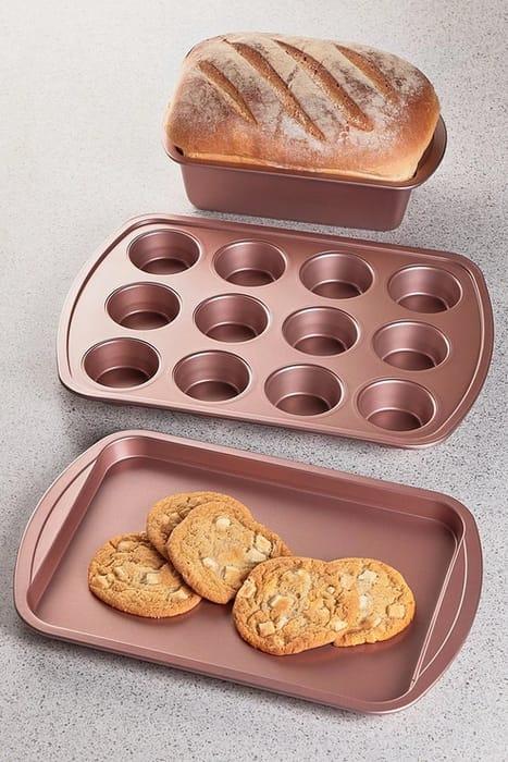 3-Piece Pink Bakeware Set - Save £3