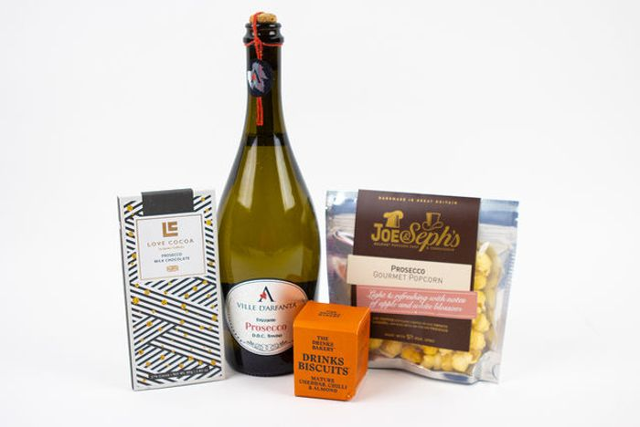 Mother's Day Prosecco & Chocolate Hamper Gift Set £14.98 Delivered