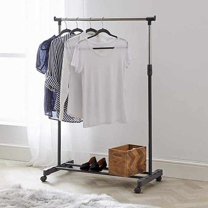 *HALF PRICE* Extendable Silver Clothes Rail
