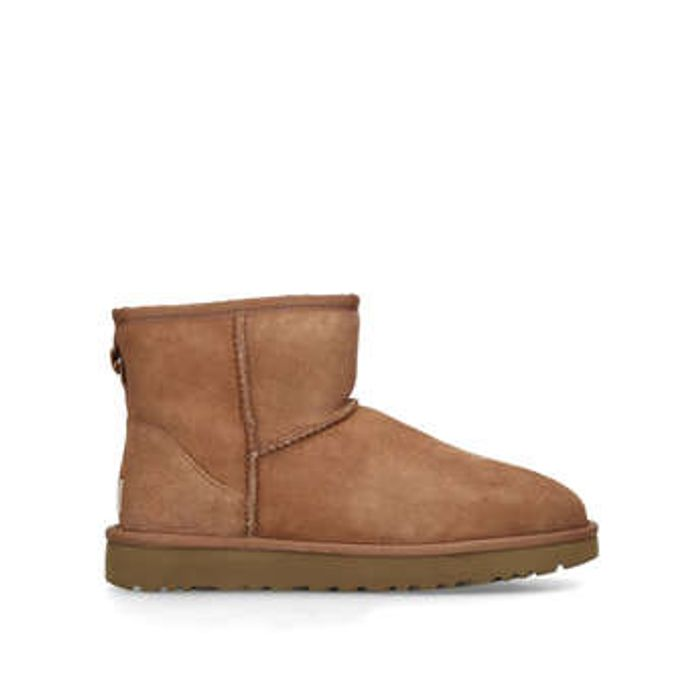 20% off UGG Classic Orders at Shoeaholics