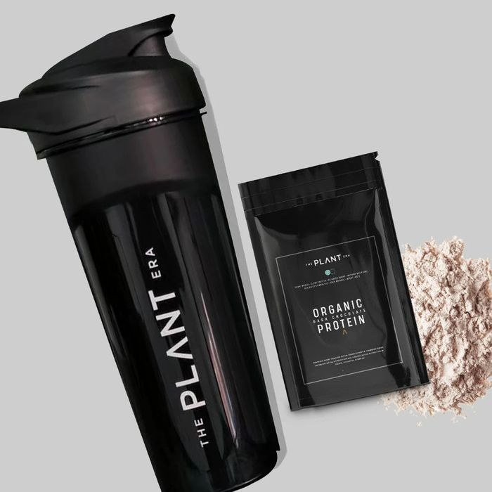 Free Dark Chocolate Sample & Shaker - Just £2.95 Delivery!