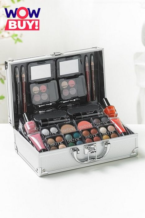 Technic Colour Collection Case with Cosmetics