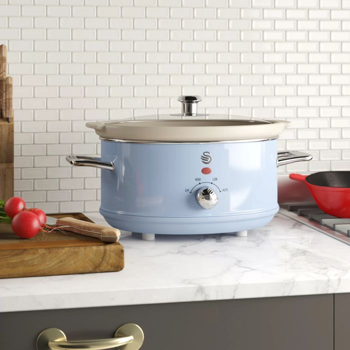 Swan Retro 3.5L Slow Cooker Choice of 6 Colours