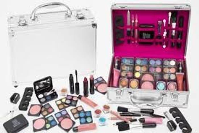 54 or 80 Piece Dawn till Dusk Makeup Case - 2 Colours!