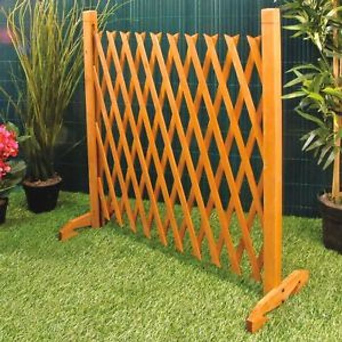 """Expanding Trellis Fence Up To 6ft 2"""" - £15.96 Delivered"""